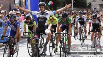 Attilio Viviani si ripete sul traguardo del Trofeo Lampre di Bernareggio