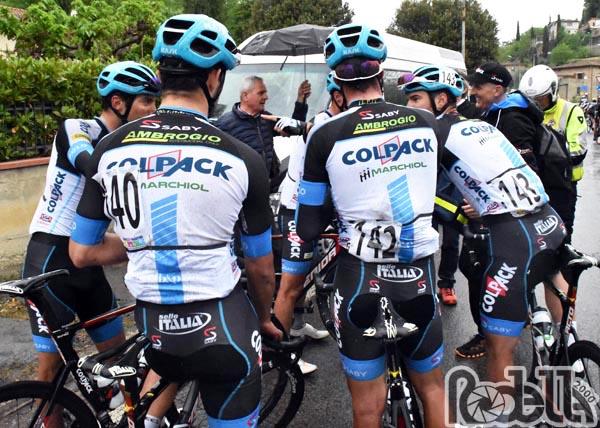 """Il Team Colpack pedala verso il """"Porto"""" e le Marche"""