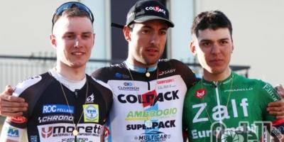 Paolo Baccio e il Team Colpack esultano a Castiglion Fibocchi